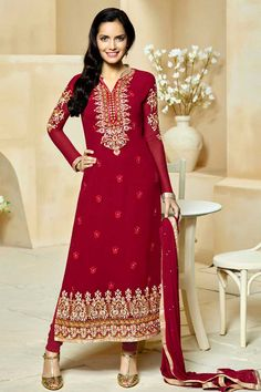 Recevez les dernières Suit Rani rose Georgette Churidar avec mousseline Dupatta #AndaazFashion   http://www.andaazfashion.fr/salwar-kameez/churidar-suits/rani-pink-georgette-churidar-suit-with-chiffon-dupatta-dmv13792.html