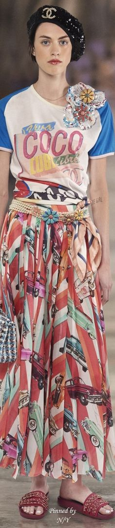 Chanel Resort 2017 Havana. I like colorful and different.