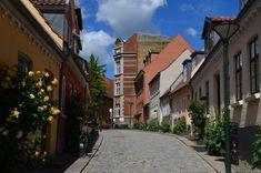 In de voetstappen van Hans Christian Andersen in Odense Odense, Hans Christian, Aarhus, My Town, Denmark, Travel Guide, Road Trip, Van, Travel Guide Books