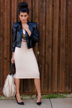 Graphic tee and leather jacket with a cream pencil skirt and instead some combat boots Modest Fashion, Love Fashion, Fashion Outfits, Womens Fashion, Apostolic Fashion, Cream Pencil Skirt, Nude Skirt, Pencil Skirt Outfits, Pencil Skirts