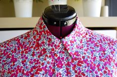 More info on sewing a shirt collar by Sewaholic Sewing Blogs, Sewing Basics, Sewing Hacks, Sewing Tutorials, Sewing Tips, Sewing Patterns, Sewing Collars, Small Sewing Projects, Men Style Tips