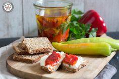 Ein Rezept für jede Jahreszeit. Diese eingelegte Paprika schmeckt zum Grillen oder im Salat oder einfach nur zum Baquette.