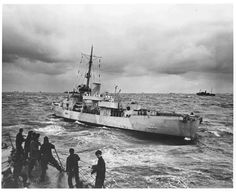 A photo of the Spencer attacking the German submarine U-175