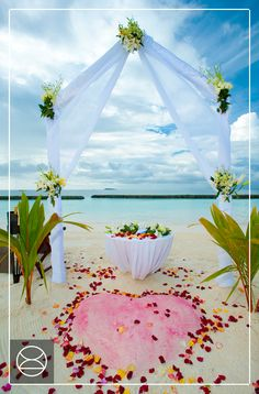 Exchange vows against a stunning Indian Ocean backdrop at Constance Halaveli, Maldives