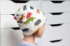 Chcete ušít dámskou či dětskou čepici homelesku? Právě pro vás jsem připravila jednoduchý střih včetně podrobného foto návodu krok za krokem jak čepici šít.