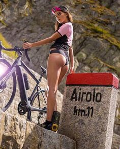 Image may contain: 1 person, bicycle and outdoor Bicycle Women, Road Bike Women, Bicycle Race, Bicycle Girl, Cycling Girls, Cycle Chic, Sporty Girls, Biker Girl, Athletic Women