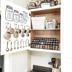 Is your kitchen a cluttered mess? These creative kitchen organizing ideas will keep your kitchen functional and looking good at the same time. #kitchenorganization #kitchendiy