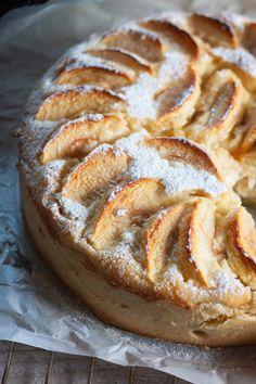 Tarte aux pommes, brousse et poudre d'amande