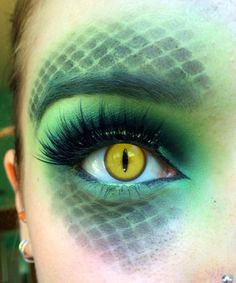 Reptile Halloween makeup by Strawberica. Tag your pics with and on Sephora's Beauty Board for a chance to be featured! Reptile Halloween makeup by Strawberica. Tag your pics with and 𝕭𝖎𝖙𝖈𝖍𝖎𝖓g 𝖂𝖎𝖙𝖈𝖍𝖎𝖓𝖌𝕳𝖔 Halloween Inspo, Halloween Makeup Looks, Halloween Make Up, Pretty Halloween, Halloween Party, Makeup Fx, Cosplay Makeup, Makeup Pics, Medusa Makeup