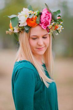 Венок изживых цветов – корона невесты