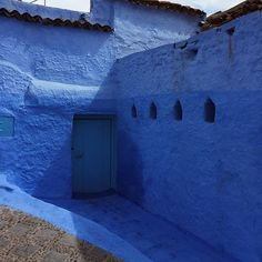 Shades of Blue 💎 #morocco #bakchicontour #chefchaouen