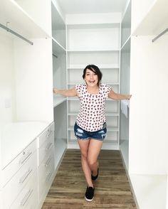 Closet de Bruna Vieira do Depois dos Quinze em sua casa, que leva o nome do blog. Móveis planejados.