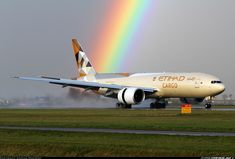 Etihad Cargo Boeing 777 meets the end of the rainbow while landing at Amsterdam (Photo Stefan Pompert)