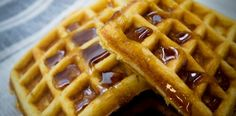 How to make waffles at home French Toast Waffles, Crepes And Waffles, Pancakes, Dessert Drinks, Dessert Recipes, Desserts, Frangipane Recipes, Gastronomia, Breakfast