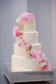 Becky's Brides – Birmingham Wedding Planner- Emily and Cody – Alisha Crossley Photography – Hothouse Design Studio – Bride's Cake