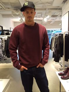He was out shopping was noted he was tired Joel Kinnaman Joel Kinnaman Girlfriend, Joel Kinneman, Ginger Fox, Swedish American, Jamie Bell, Altered Carbon, Beautiful Boys, Beautiful People, Sexy Men