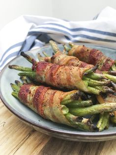 Grønne bønner i baconsvøb: Bønner og bacon – Christinas Køkken Green Beans, Tapas, Bacon, Turkey, Meat, Dinner, Vegetables, Food, Dining