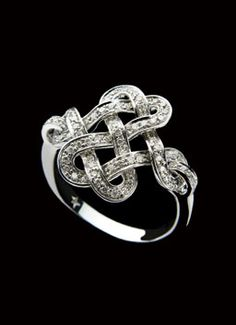 H.Stern Diane von Furstenberg Love Knot Ring in 18K white gold with diamonds at London Jewelers!