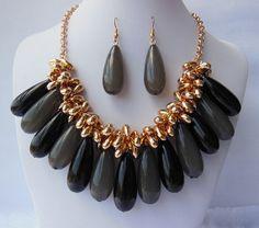 Conjunto de joyas collar babero Black gris por Daixijewelry en Etsy, $15.00