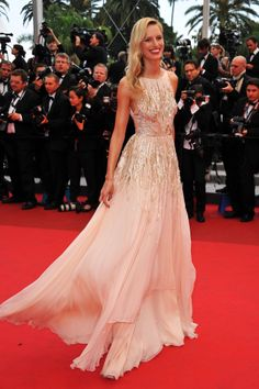 stunning gown totaly over the top and too expensive but itd be fun idf we could afford it lol