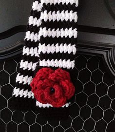 Crochet Camera Strap Cover by RobynLeeINC on Etsy, $20.00