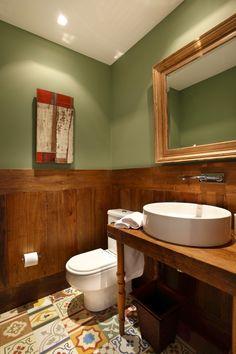 para o lavabo... ou o banheiro do corredor.