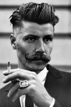 Rebellious rockabilly hairstyles for men - Herrenfrisuren - Cheveux Handlebar Mustache, Beard No Mustache, Mustache Growth, Movember Mustache, Mustache Party, Hair And Beard Styles, Short Hair Styles, Facial Hair Styles, Vintage Hair