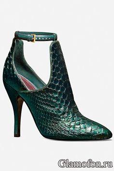 snakeskin Gucci (=)