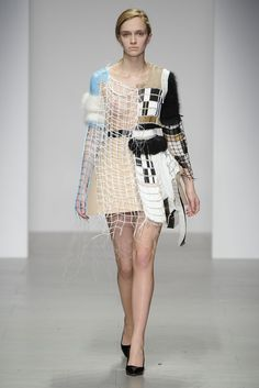 Central Saint Martins RTW Fall 2014 - Slideshow