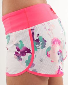 lululemon running clothes. want :) I don't run, at all, but these are pretty and look comfy!