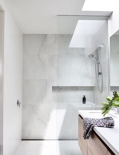 Minimalist Bathroom Décor With A Skylight – Marble Bathroom Dreams Bathroom Toilets, Laundry In Bathroom, Bathroom Renos, Bathroom Layout, Bathroom Interior Design, Bathroom Renovations, Bathroom Ideas, Bathroom Inspo, Minimalist Bathroom