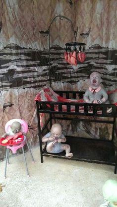 o] - Halloween Deko Halloween Goodies, Halloween Doll, Adult Halloween Party, Outdoor Halloween, Halloween Party Decor, Halloween Themes, Halloween Crafts, Creepy Halloween Decorations, Halloween Haunted Houses