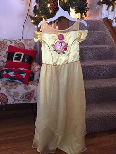 Really sweet long nightgown from Disney store.  Off the shoulders, sheer overlay. So pretty!   Sz 9/10.  Free ship!