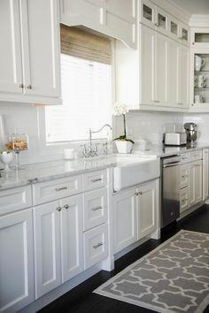 Elegant white kitche Elegant white kitchen spaces we love: www.stylemepretty...