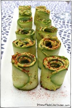 Cucumber avocado roll ups. These look delish and healthy. Great snack or side at meals. Raw Food Recipes, Appetizer Recipes, Vegetarian Recipes, Cooking Recipes, Healthy Recipes, Vegan Vegetarian, Cucumber Appetizers, Vegan Avocado Recipes, Asian Appetizers