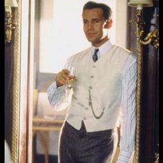 Billy Zane is too good as Cal Hockley