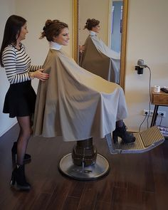 OMG I'm flying while being caped Barber Shop, Hair Cuts, Bald Girl, Hair Beauty, Long Hair Styles, Barber Chair, Dresses, Rollers, Hairdresser