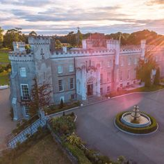 Castle Bellingham looking well in the evening light. Bellingham Castle, Wedding Venues, Mansions, House Styles, Ireland, Instagram, Wedding Reception Venues, Wedding Places, Manor Houses