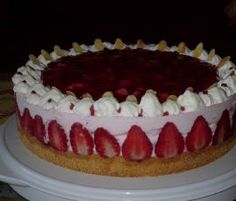 Erdbeer-Sahne-Torte von Backfee58 auf www.rezeptwelt.de, der Thermomix ® Community