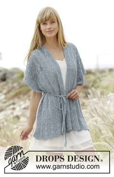 """Moonlight Passage - Knitted DROPS scarf with lace pattern and belt in """"Alpaca"""". - Free pattern by DROPS Design"""