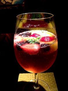 ノンアルコールカクテル☆ Cocktail Drinks, Alcoholic Drinks, Beverages, Cocktails, Matcha Smoothie, Soft Drink, Hurricane Glass, Restaurant Bar, Juice