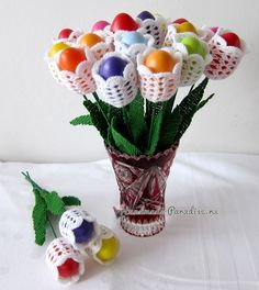 Обвязка крючком пасхальных яиц. Схемы Easter Crochet, Crochet Crafts, Crochet Projects, Hoppy Easter, Easter Eggs, Crochet Wall Art, Easter 2021, Easter Crafts For Kids, Diy Arts And Crafts