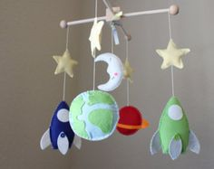 Baby Mobile - Baby Crib Mobile - Rocket Ship Nursery Mobile - Spaceship Mobile - Planets Mobile (You can pick your colors) Space Themed Nursery, Outer Space Nursery, Nursery Themes, Nursery Ideas, Baby Mobile Felt, Baby Crib Mobile, Mobile Kids, Boy Mobile, Baby Boy Nurseries