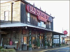 THE HERITAGE TOURIST: Photo Favorite: Old Country Store, Jackson, TN
