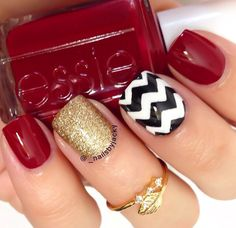 i think these will be my nails for christmas time, but instead of black and white, the chevron pattern with the gold and red Fancy Nails, Love Nails, How To Do Nails, Pretty Nails, Holiday Nails, Christmas Nails, Christmas Time, Chevron Christmas, Fabulous Nails