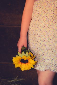 Country Kids mini session: a.h.photos specializes in Children's Boutique Photography.  What's a country photo shoot without sunflowers?!