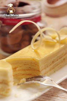 White Opera Cake.. ssooooo deliciouss!! Opera Cake, Amazing Cakes, Vanilla Cake, Cheesecake, Goodies, Food And Drink, Chocolate, Dessert Ideas, Sweet Stuff