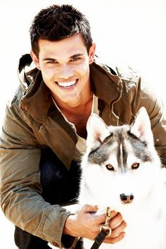 Yes, I'm team Edward. I'm also totally in love with Taylor Lautner (not Jacob- actual Taylor).