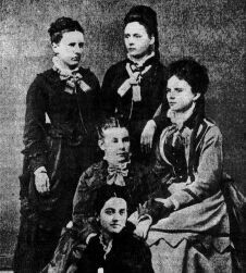 Thank goodness for these 5 wonderful women who founded the Sigma Kappa Sisterhood!