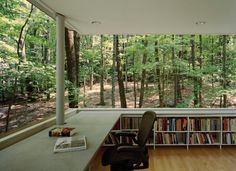 Now, this is my kind a library! The Scholar's Library in Olive Bridge, New York by local architecture firm Gluck & Partners is an unusual raised house plan surrounded by lush, leafy woods. Future House, My House, House In The Forest, House In Nature, Architecture Design, Architecture Panel, Architecture Interiors, Home Libraries, Public Libraries